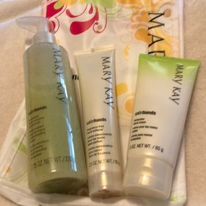 Mary Kay honey dew melon satin hands set.